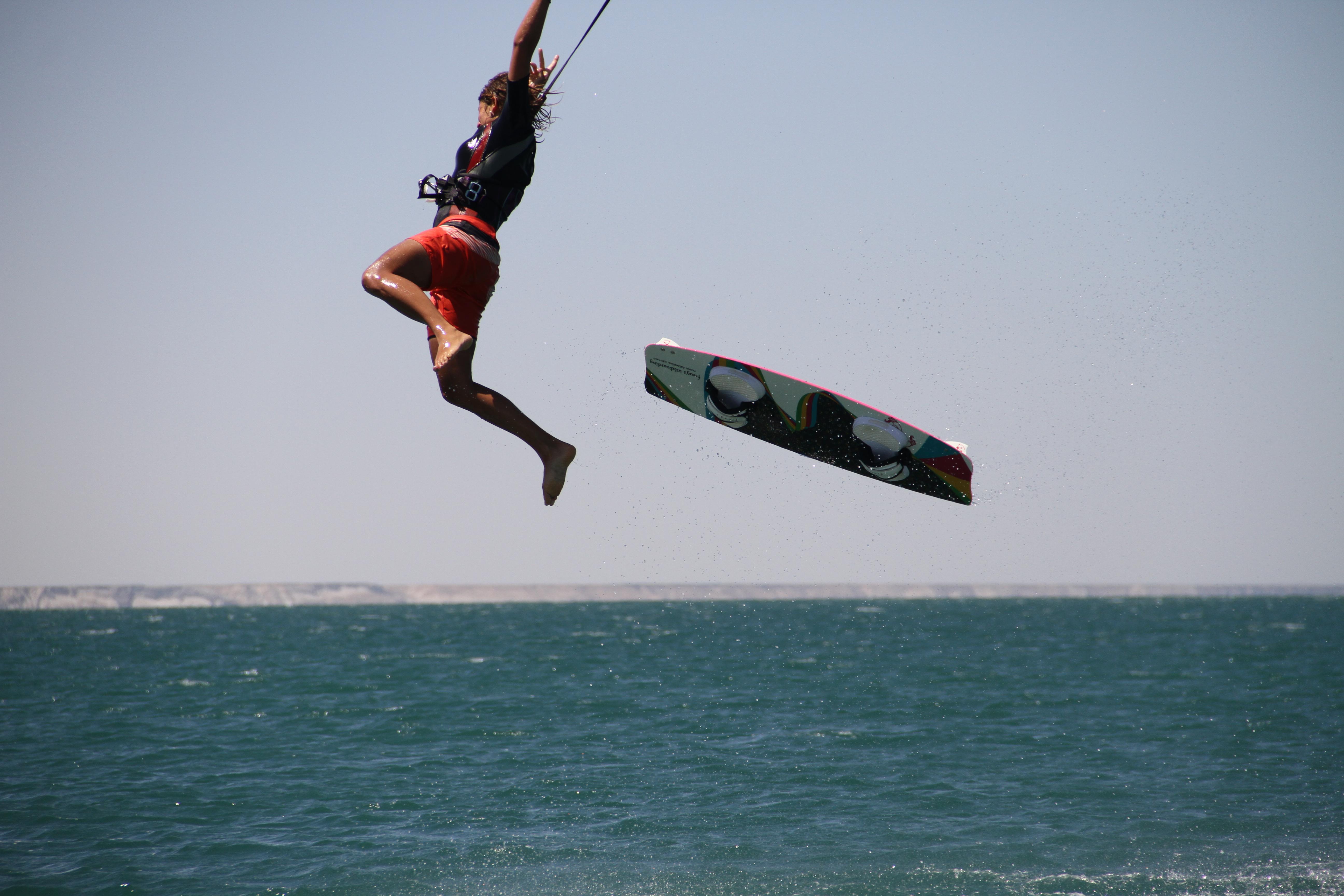 Amputé d'un bras, il a relié la Martinique à Saint Martin en kitesurf